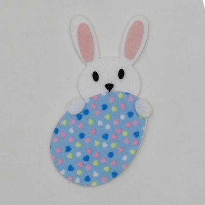 coelho-atras-do-ovo-azul-com-coracoes-1a