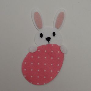 coelho-atras-do-ovo-poa-vermelho-1a