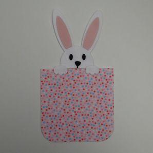 Embalagem-com-coelho-rosa-com-coracoes-1